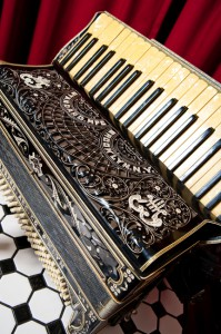 webres old accordion1
